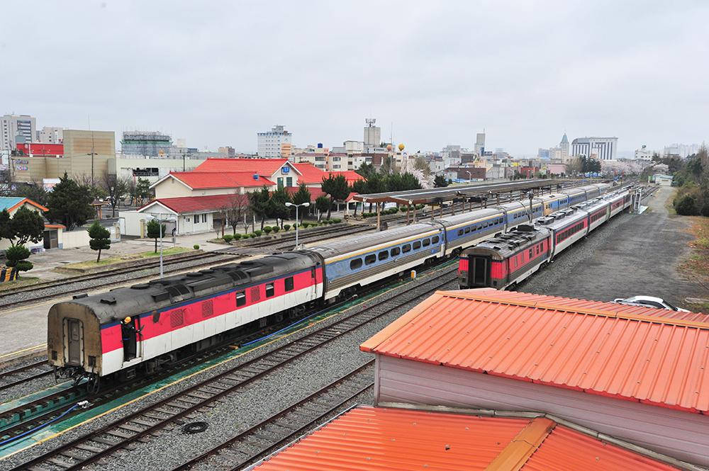 마지막 새마을열차.jpg