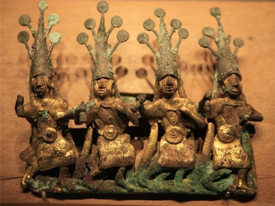 중국운남성으로내려간사카족의유물0.jpg