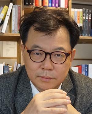 김동완 칼럼리스트.jpg