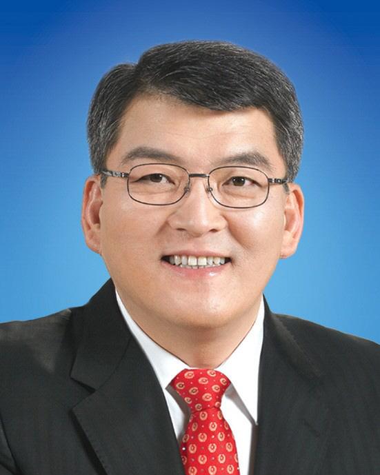 김학동 군수.jpg