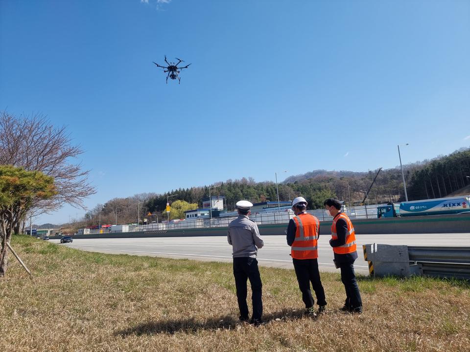 한국도로공사·경찰청, 드론 활용 고속도로 위반차량 합동 단속
