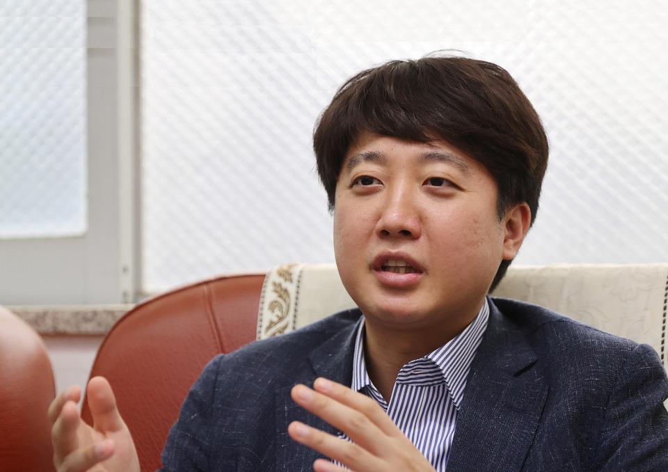 이준석 대표, 이달 토론배틀로 대변인단 선발…
